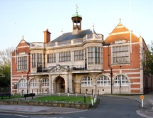 Hendon_town_hall_medium